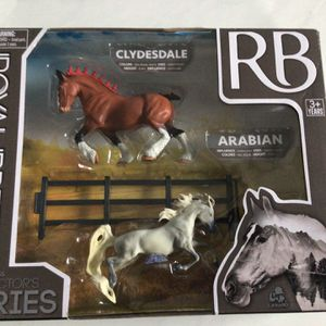 Clydesdale & Arabian World Class Horse Figurines by Royal Breeds (New!) for Sale in Nashville, TN