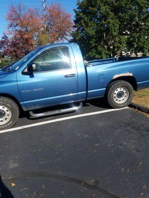 Vendo una Dodge ram 1500 año 2003 for Sale in Boston, MA