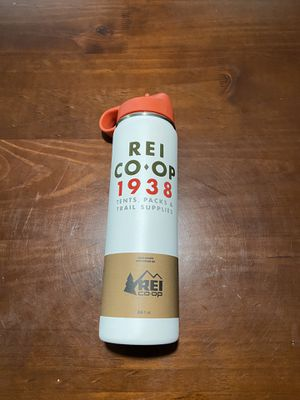 REI Co-op Hydro Flask Wide-Mouth Vacuum Water Bottle with Straw Lid - Dusty White - 24 fl. oz. for Sale in Dayton, OH