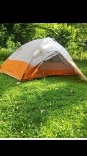 Brand new pop-up 2-3 person backpacking hiking 4 season tent for Sale in HUNTINGTN BCH, CA