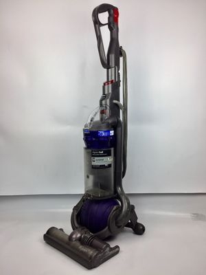 Dyson DC25 Animal Upright Ball Bagless Vacuum Cleaner for Pet Owners for Sale in Philadelphia, PA