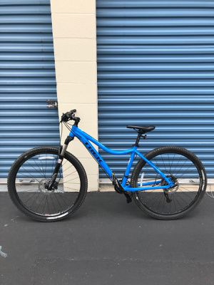 "Trek Cali 2017 SL 29"" like new for Sale in San Diego, CA"
