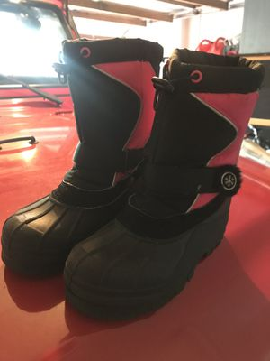 Girls snow or rain boots size 4 for Sale in Miramar, FL