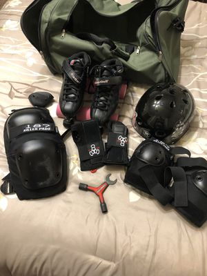 Roller Derby Skates with Pads, Helmet and Gear Bag for Sale in Del Sur, CA