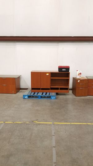 Office set. Must be gone today by 3pm for Sale in Denton, TX