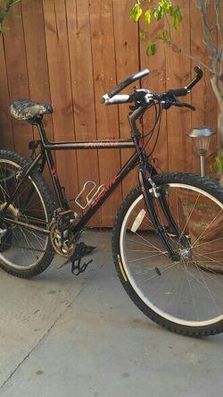 Specialized Rock Hopper Sport 21-Speed Mountain Bike for Sale in Los Angeles,  CA