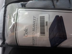 Cok queen weighted blanket for Sale in Kansas City, MO