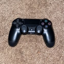 Black ps4 controller for Sale in Happy Valley,  OR