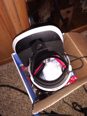 Virtual Reality PS4 plus like new with everything for Sale in Queen Creek, AZ