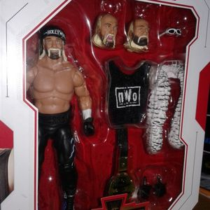 Wwe Hollywood Hulk Hogan Ultimate Edition Collectible Action Figure. for Sale in Berwyn, IL