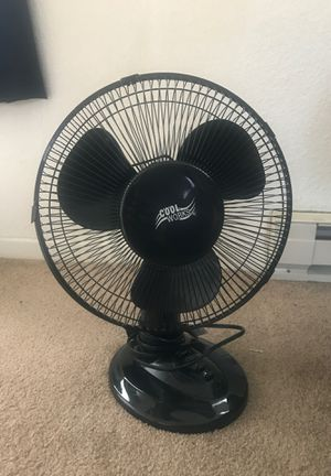 "Cool Works 12"" Oscillating Desk Fan for Sale in Portland, OR"