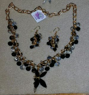Hand made sets of necklace, earrings and bracelet. for Sale in Vista, CA