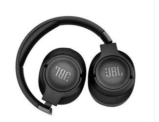 BRAND NEW JBL TUNE 700BT Wireless Over-Ear Headphones for Sale in Orlando,  FL