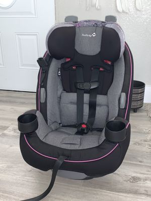 Reclinerable Safety 1st Grow and Go 3-in-1 Car Seat for Sale in Miami Gardens, FL