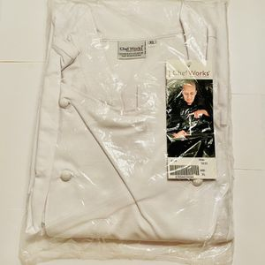 CHEF WORKS MONZA EXECUTIVE CHEF COAT SIZE XL for Sale in Hillsboro, OR