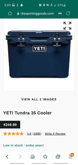 Yeti tundra 35 cooler for Sale in Wheeling, IL