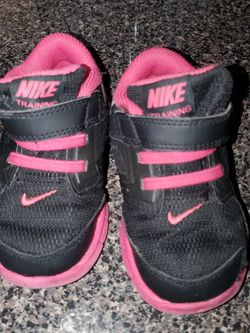 Toddler Nike Sneakers size 7 for Sale in Brockton,  MA