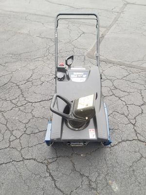 Yard machines snowblower . for Sale in South Elgin, IL