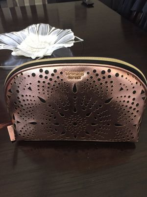 Vs beauty bag new for Sale in Temple City, CA