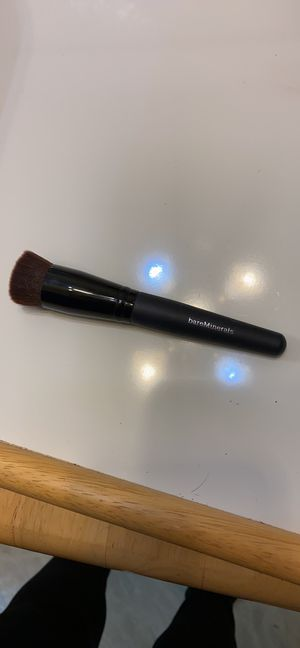 Bare Minerals Perfecting Face Foundation Brush for Sale in San Bernardino, CA
