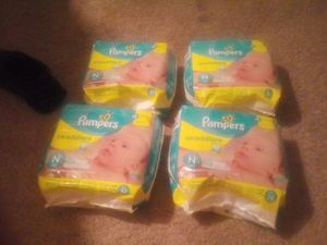 Pampers Newborn Diapers for Sale in Pittsburgh, PA
