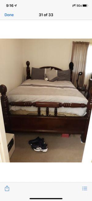Queen bedroom set- real wood (heavy) for Sale in Ruston, LA