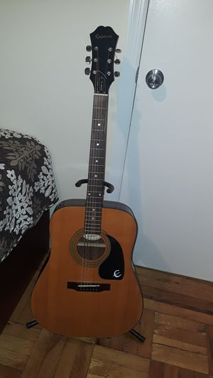 Acoustic guitar Epiphone Model DR 100 NA. for Sale in Brooklyn, NY