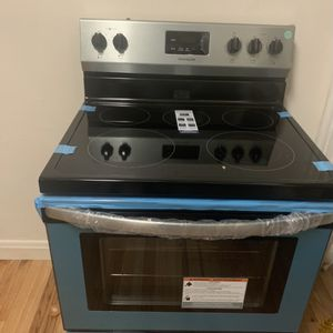 Electric range water heater refrigerator for Sale in Baltimore, MD