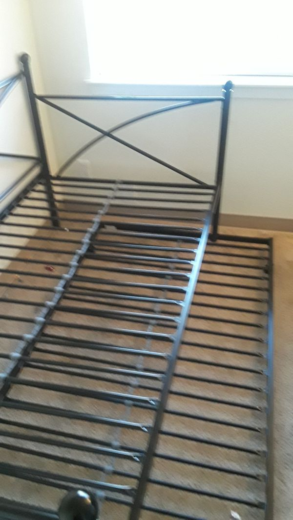 Black metal day bed frame with trundle 100$