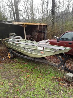 Aluminium 16ft fishing boat with trailor and motor for Sale in Hamilton, AL