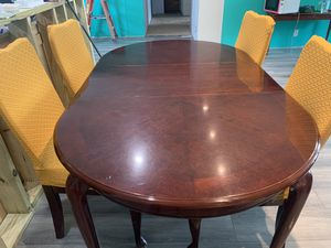 Dining table 4 chairs for Sale in Lebanon, TN