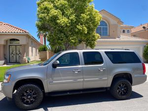 2008 Chevy Suburban 4x4 - Z71package for Sale in Las Vegas, NV