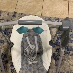 Like Mecedor para Bebé for Sale in Miami, FL