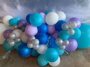 Pick up right now balloon garland for Sale in Anaheim, CA