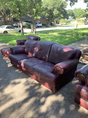 Natuzzi Leather Couch and Seats ( VERY good condition ) for Sale in Bedford, TX