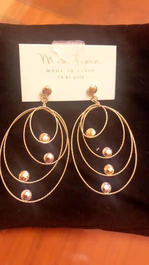 Mia Fiore Made In Italy 14k Yellow Gold Diamond Laser Cut Designer very gorgeous set of earrings waiting for the new owner never been used for Sale in Pico Rivera, CA