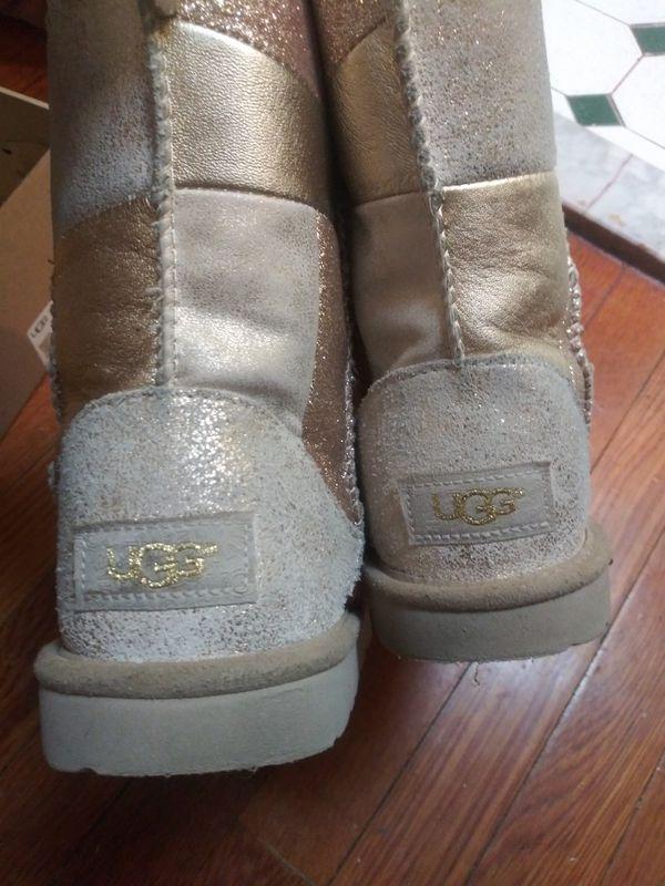Girls Ugg boots gold patch work sz3