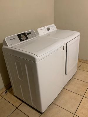 SAMSUNG WASHER AND ELECTRIC STEAM DRYER for Sale in Glendale, AZ