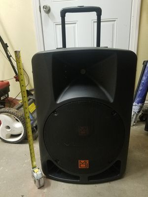"15"" bluetooth party speaker like new for Sale in South El Monte, CA"