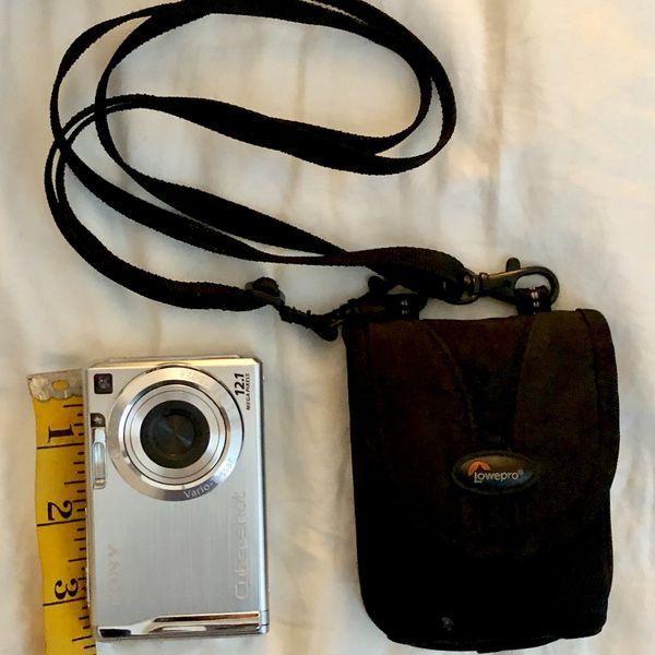 Sony CyberShot DSC- w200 Compact Digital Camera- Silver