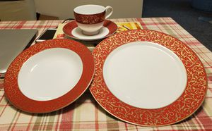Dinnerware set for Sale in Ellicott City, MD
