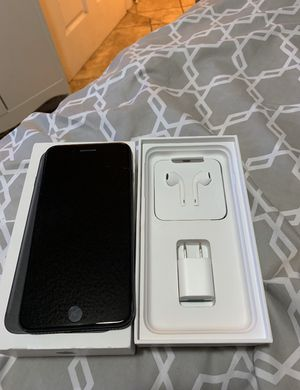 Iphone 7 Plus 32 gb for Sale in Los Angeles, CA