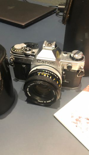 Vintage Canon AE-1 w/ 50mm & Vivitar 80-200mm lenses for Sale in Tampa, FL