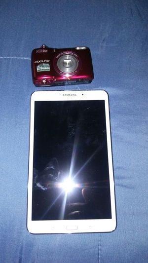 Camera in Samsung Galaxy tablet Bundle for Sale in Douglasville, GA