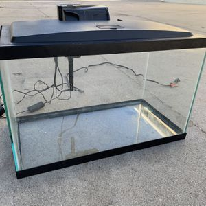 Aqueon 10 Gallon Fish Tank With LED Hood And Filter for Sale in Culver City, CA