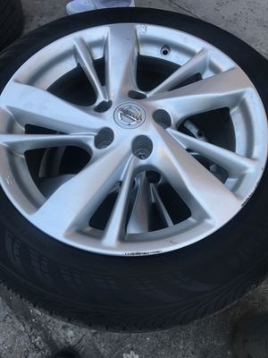 Like new 2015 Nissan Nissan altima rims for Sale in The Bronx, NY