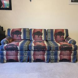 Vintage Buffalo Couch Pullout Bed  for Sale in Austin,  TX
