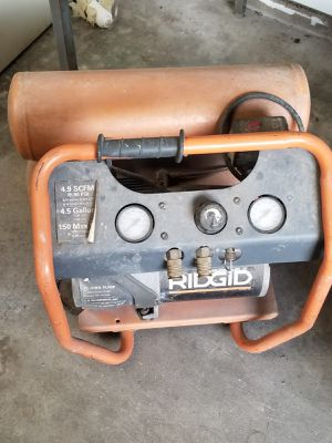 Ridgid Air Compressor 4 5 gallons for Sale in Houston, TX