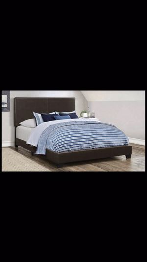 Queen bed frame with mattress and box spring 260$ for Sale in Chicago, IL