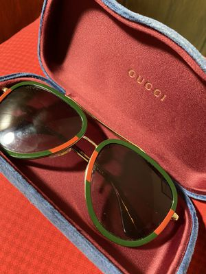 Gucci sunglasses for Sale in Daly City, CA